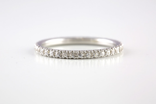 Simple White Gold